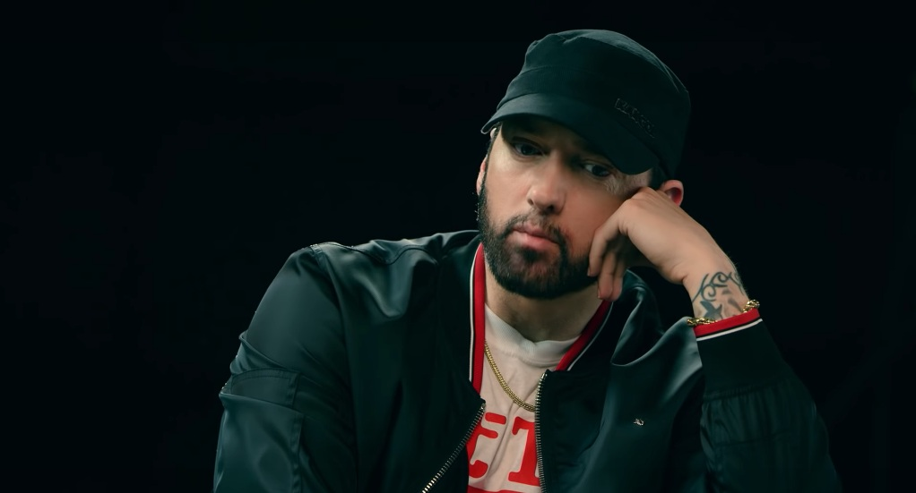 """kadr z wideo """"Eminem x Sway - The Kamikaze Interview (Part 2)"""","""