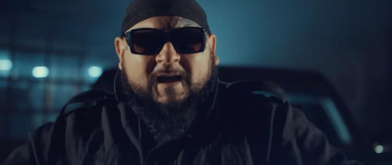Red o bójce na planie klipu O.S.T.R'a, polskich raperach i pieniądzach z Monopolu